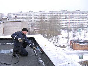 ремонт гидроизоляции крыши зимой