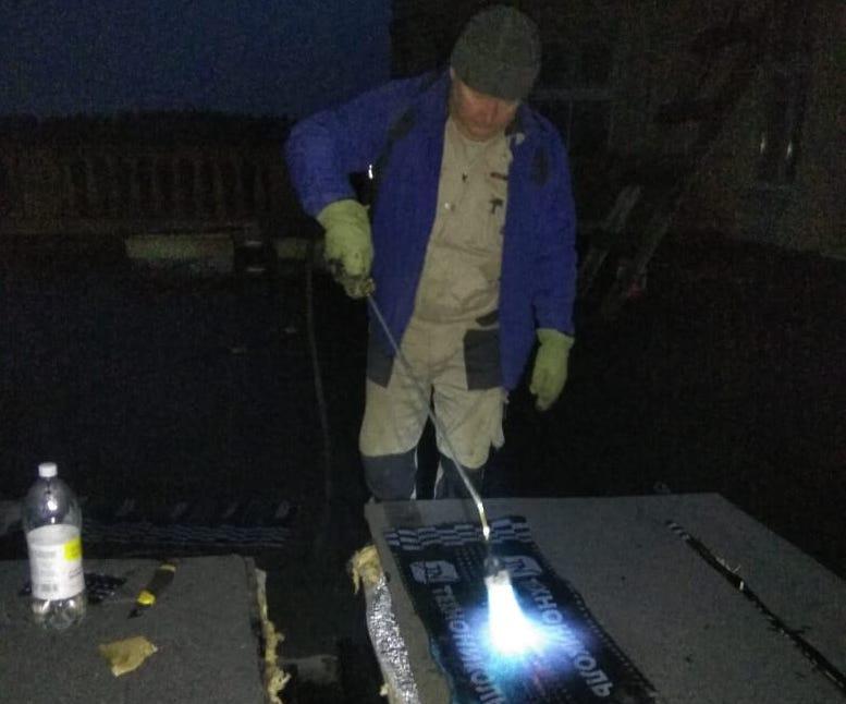 Начало работ на кровле здания МТС