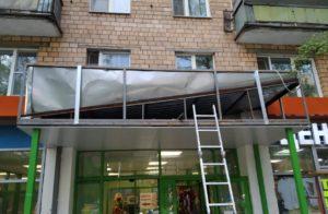ремонт козырька торгового центра